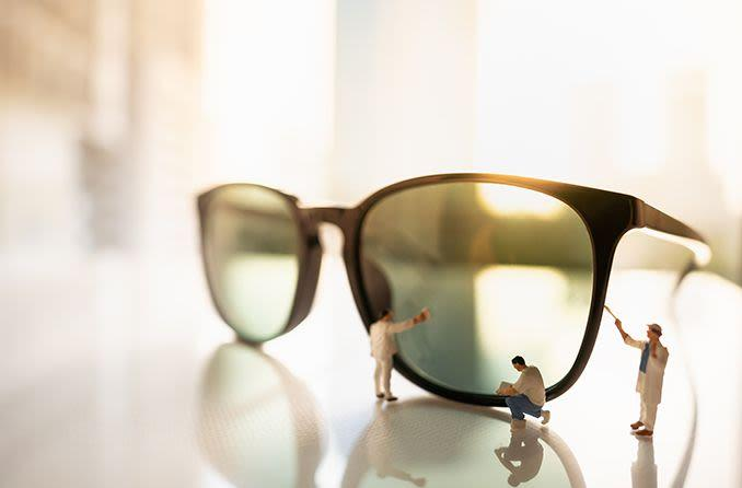 8 Tips to extend the life of your sunglasses