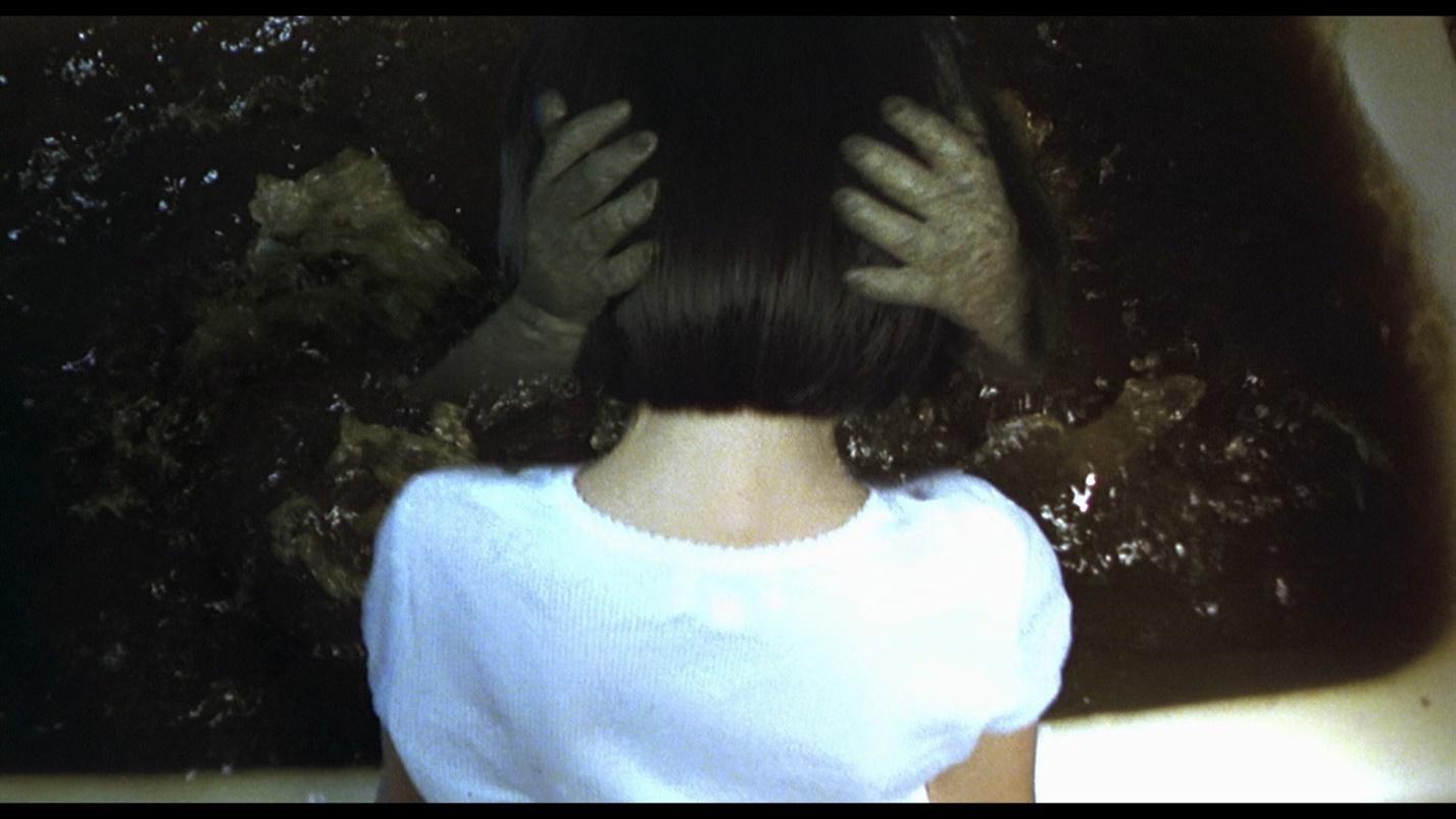 3. Dark Water 04