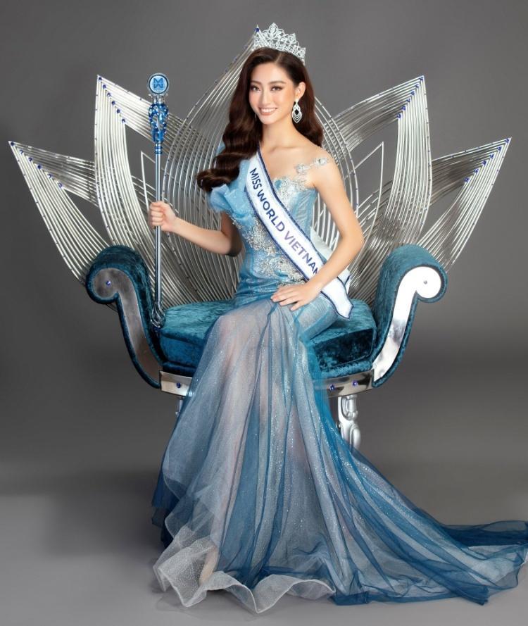 Top 3 Miss World Vietnam khoe đường cong quyến rũ hậu đăng quang -  VietNamNet