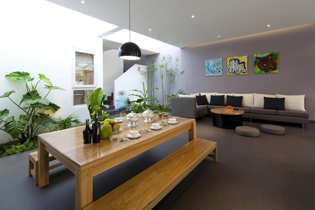 Dosis Arquitectura Atractivo jardín interior en hogar moderno