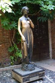Resultado de imagen de estatua de julieta
