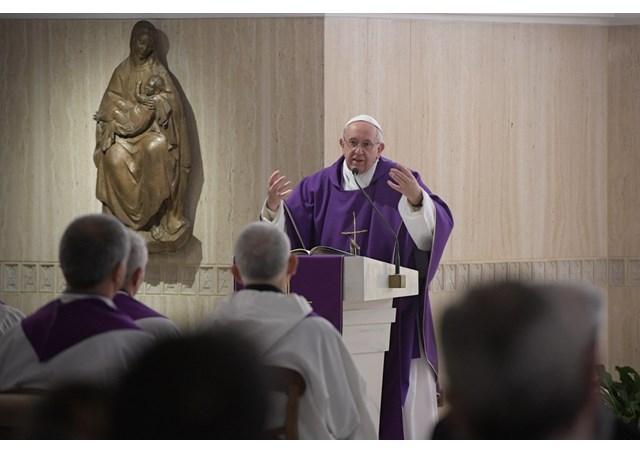 Đức Thánh Cha: 'Chúa khóc khi chúng ta xa lánh tình yêu của Người'