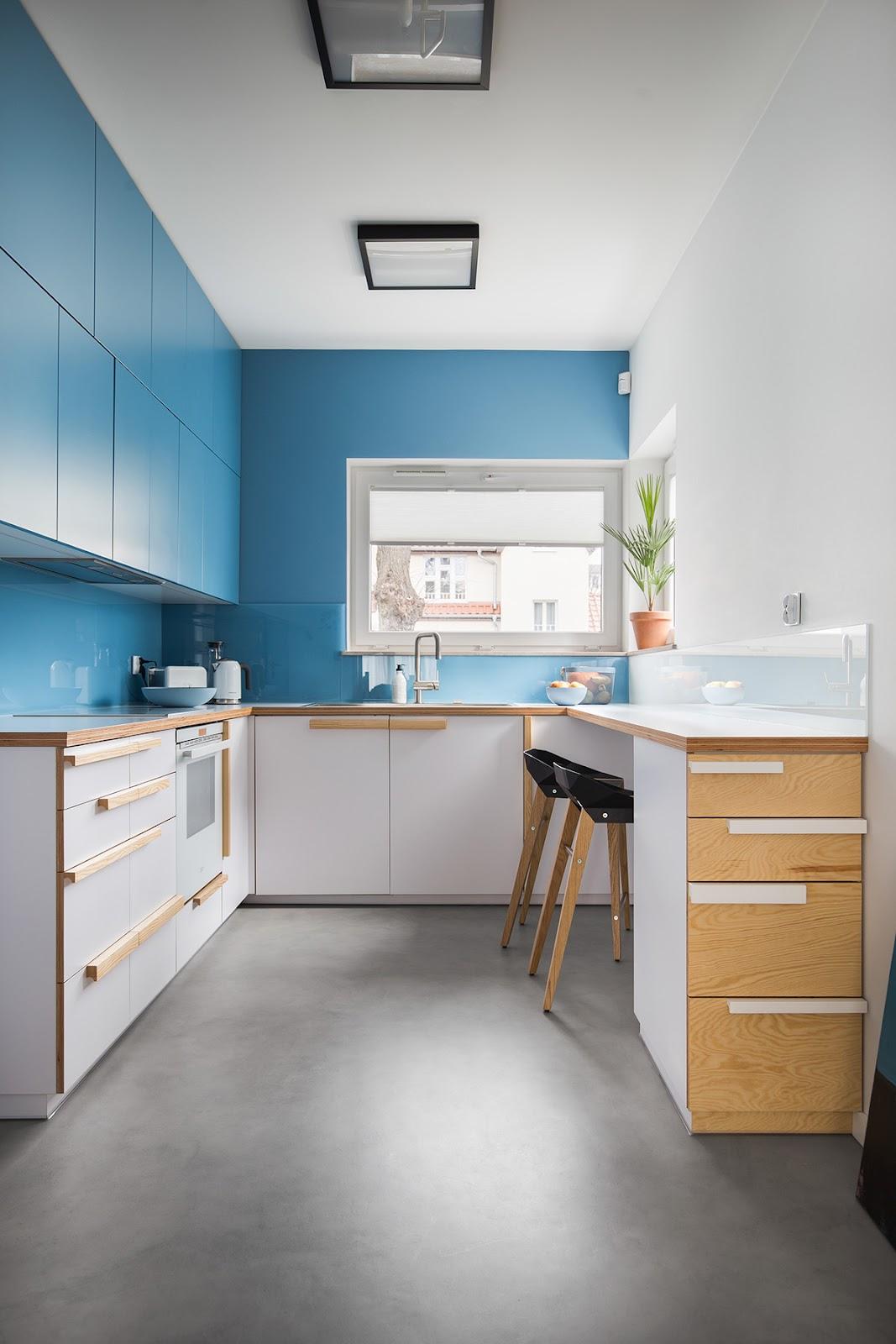 Tipe dapur berbentuk U - source: home-designing.com