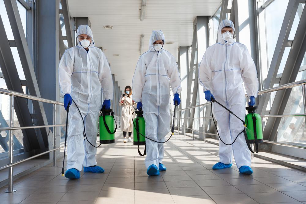 Hospitais são um dos ambientes mais perigosos para se estar durante a pandemia de covid-19. (Fonte: Shutterstock/Prostock-studio/Reprodução)