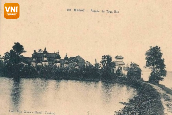 The old Tran Quoc pagoda