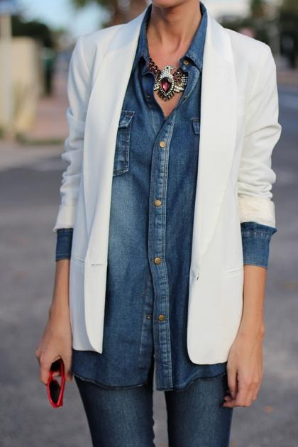 denim-shirt-white-blazer.jpg (420×630)