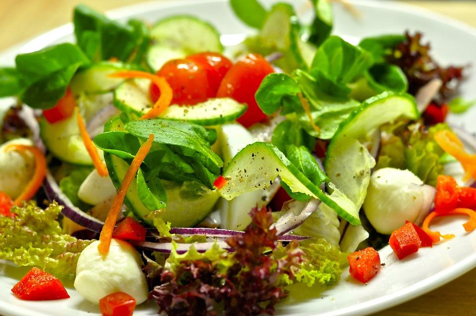 Banishing The Rabbit Food Myth: How To Make Your Salads More ...