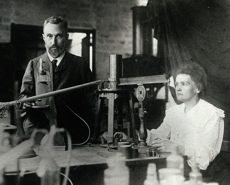 Ficheiro:Pierre and Marie Curie.jpg