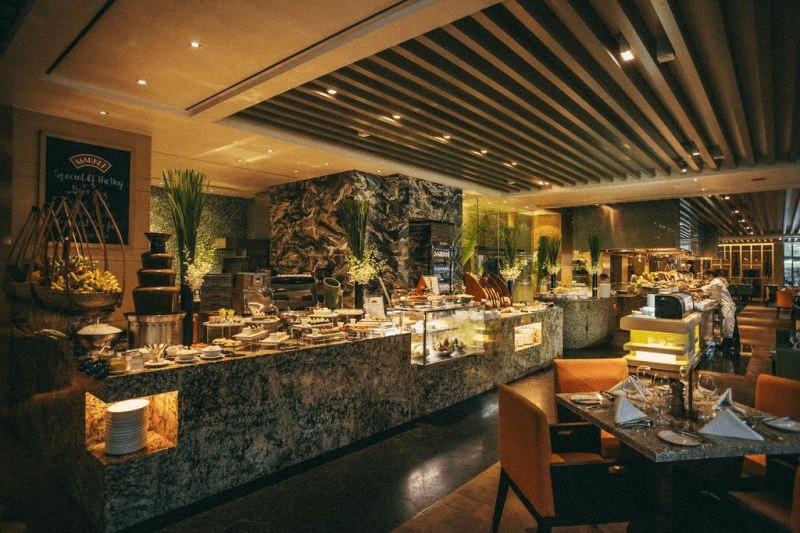 Không gian thưởng thức Buffet tôm hùm tại nhà hàng năm sao Market 39