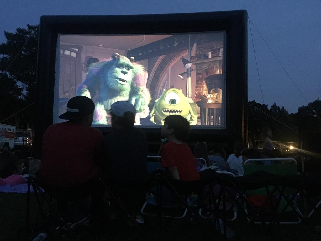 outdoor movie, Outdoor Movie at Back to School Night, Press Play Outdoors Blog