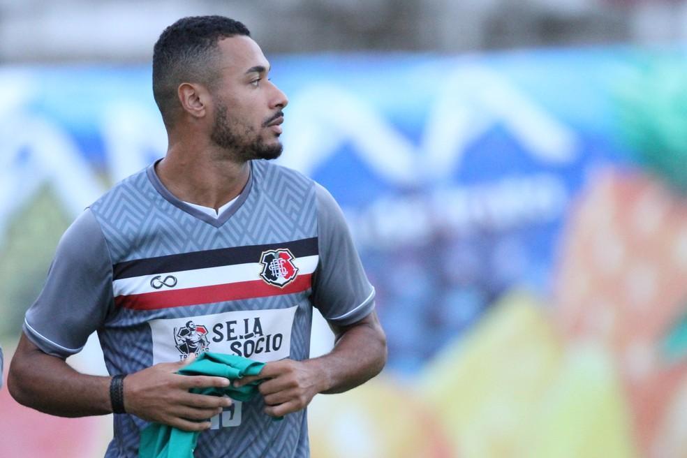 Henrique Avila terá condições de jogo (Foto: Marlon Costa/ Pernambuco Press)