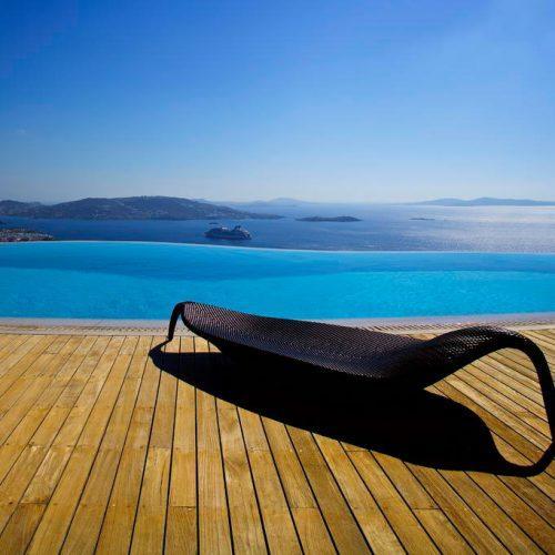https://mykonos.luxury/wp-content/uploads/2017/07/Naomi-villa-Mykonos_1st-1-500x500.jpg