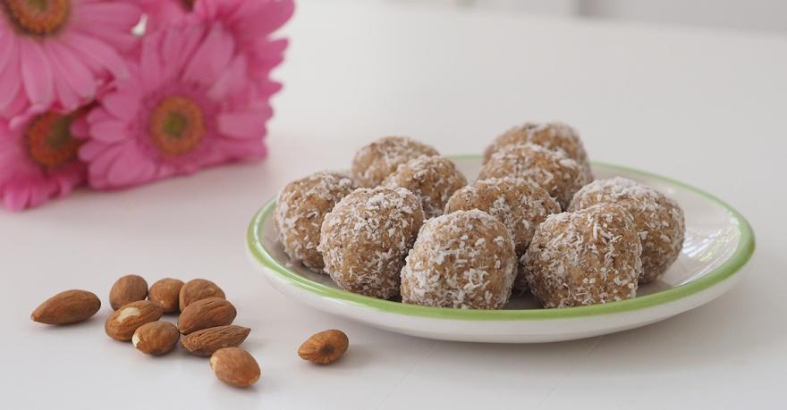Coconut-Date-and-Almond-Bliss-Balls-1.jpg