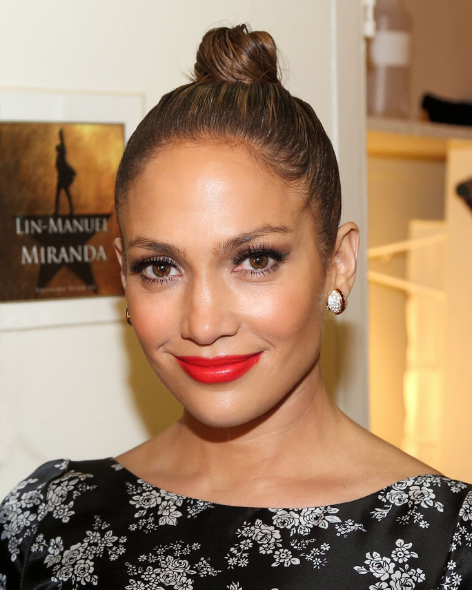 Jennifer Lopez – $300 Million