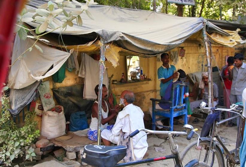 indian roadside barbers