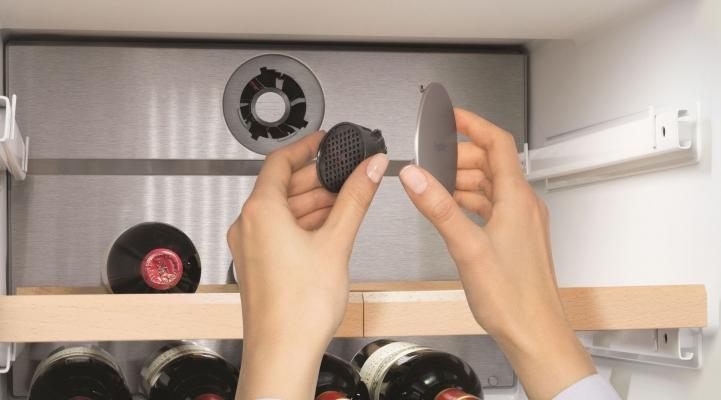 Side-by-Side холодильник Liebherr SBSes 8486: вугільний фільтр FreshAir