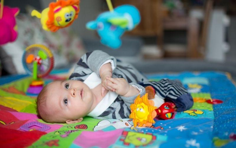 Los mejores juguetes para el desarrollo de tu recién nacido 2