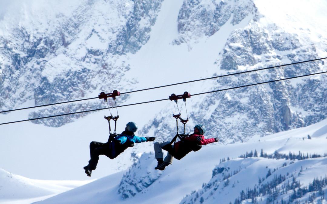 Cách thuận tiện nhất để thưởng ngoạn phong cảnh đẹp là Zipline