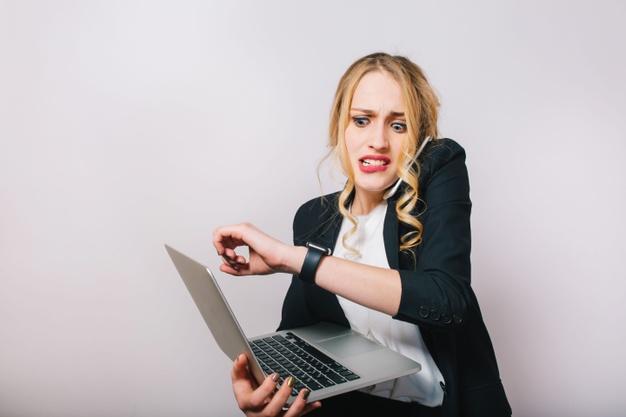 Não adotar a gestão de tempo prejudica o trabalho e a saúde, cuidado