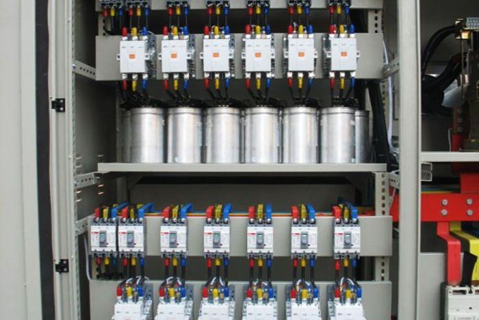 Sử dụng tụ bù để bù công suất phản kháng giúp tiết kiệm chi phí tiền điện mỗi tháng