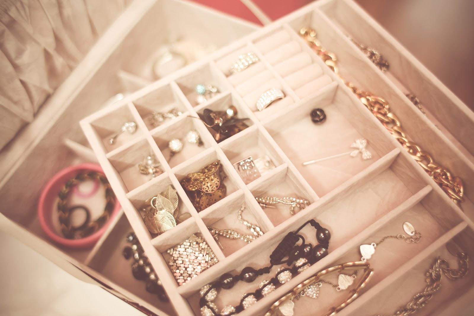 opened-jewelry-box-picjumbo-com.jpg