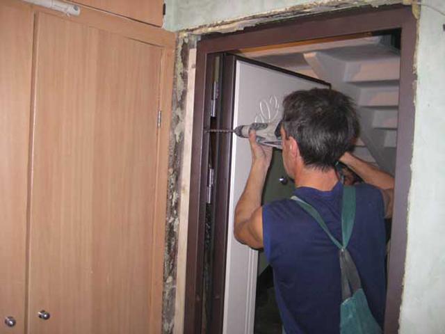 ustanovka-dveri.jpg