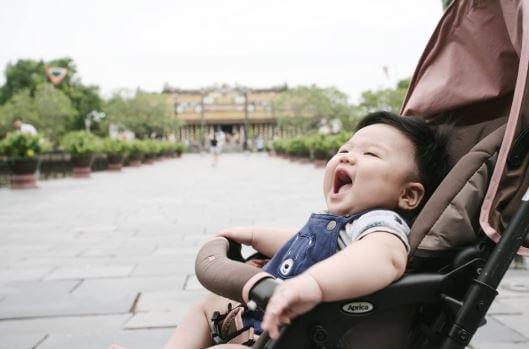 phương tiện giúp bé 1 tuổi di chuyển