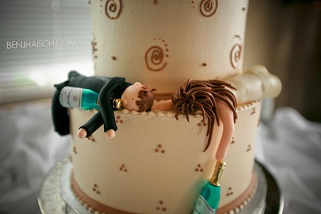 Chiếc bánh dành riêng cho những cặp cô dâu chú rể ham vui, ưa tiệc tùng.
