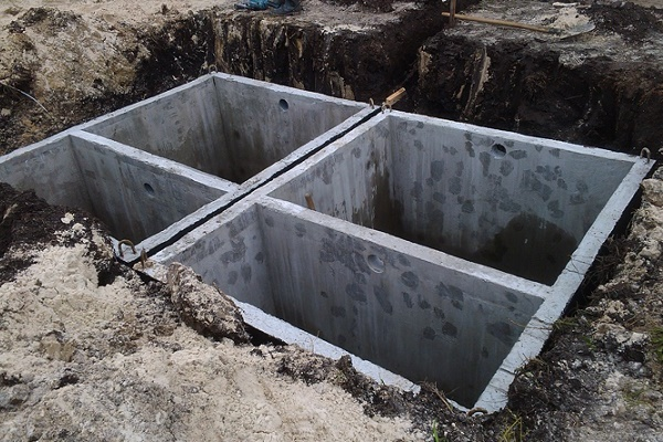 Устройство из монолитного бетона