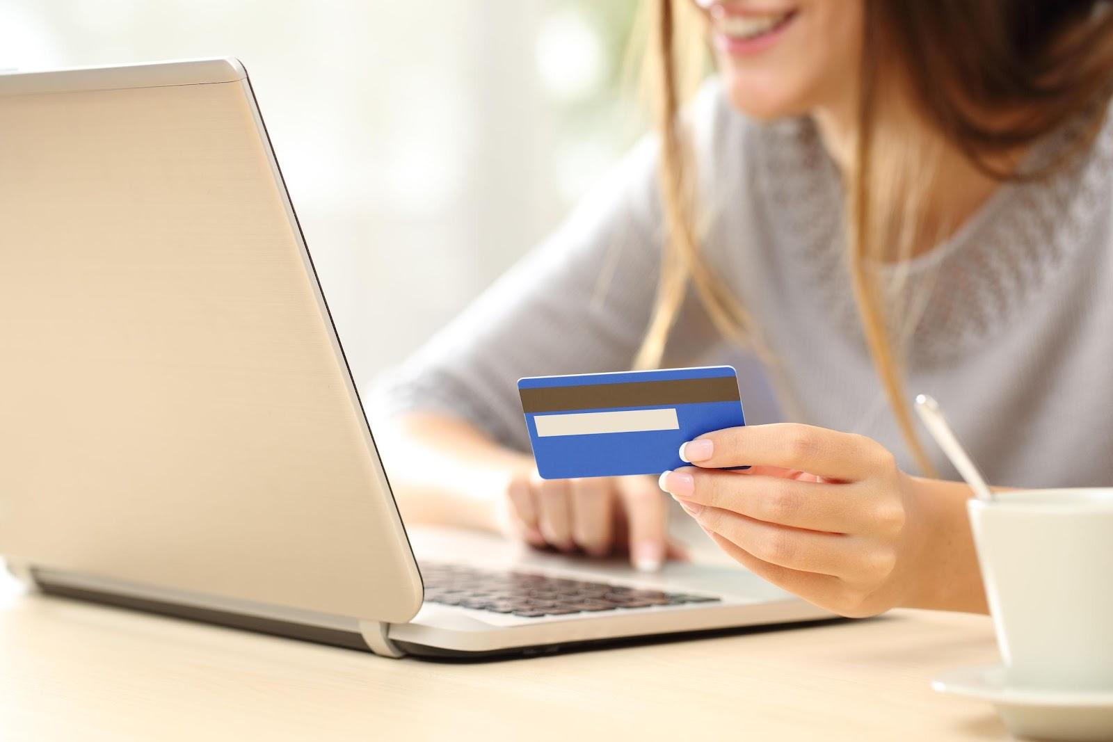 interactuar con los clientes en línea