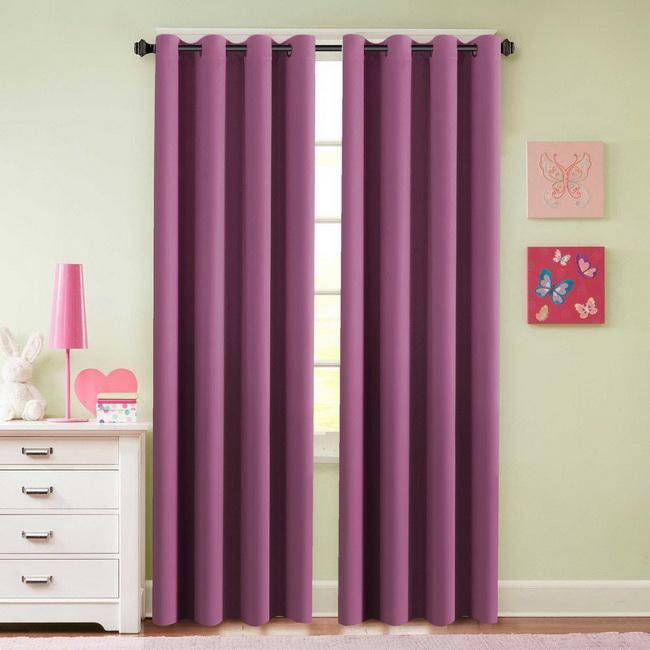 Rèm cửa chống nắng cho căn phòng chung cư nhỏ xinh
