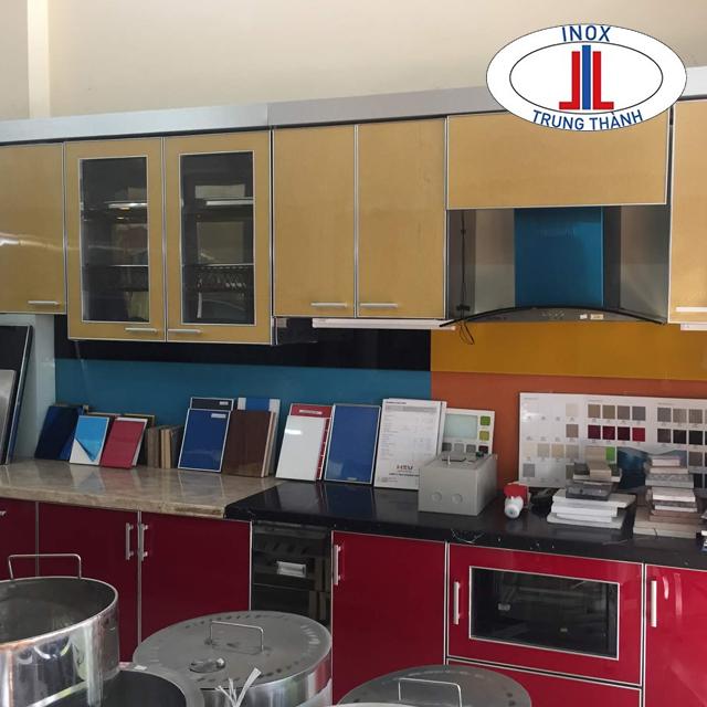 mẫu tủ bếp inox trung thành
