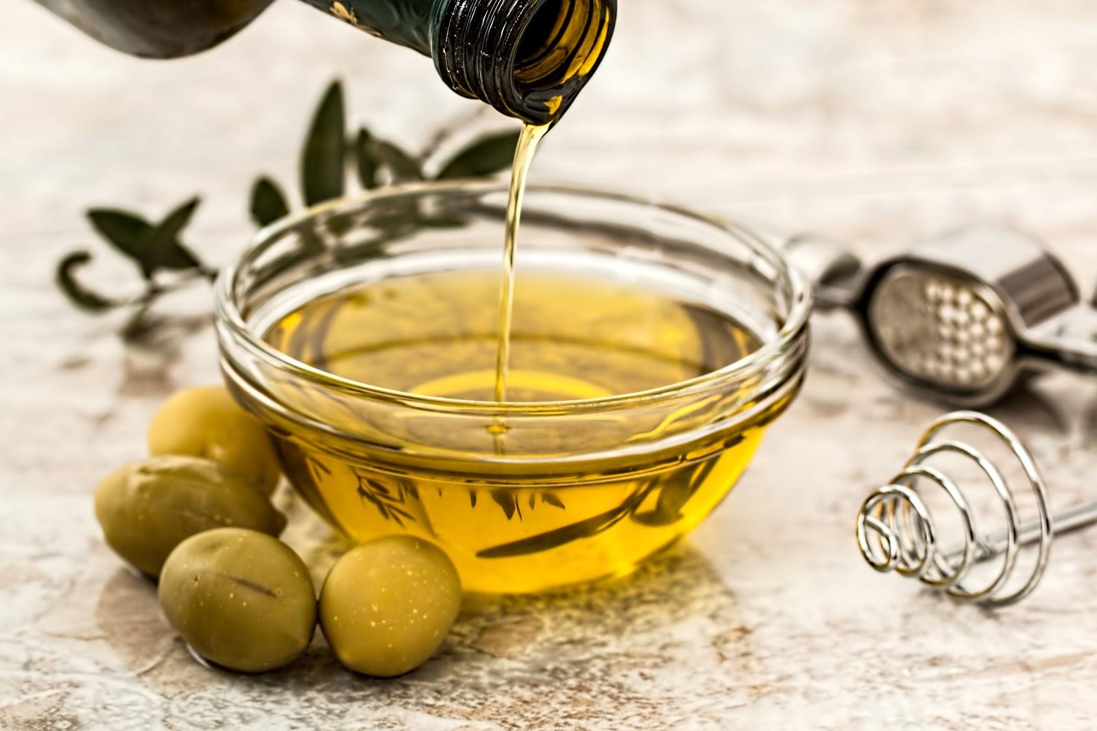 extra-virgin-olive-oil-mediterranean-diet