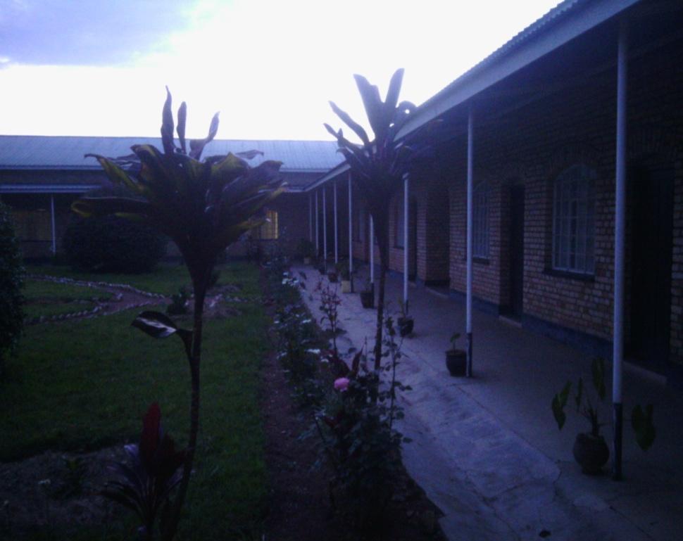 C:\Documents and Settings\user\Desktop\INDIRIMBO\ISIMBI 51\UDAHEMUKA\Fondation Mgr RWABILINDA\PHOTO\Picture and video 419.jpg