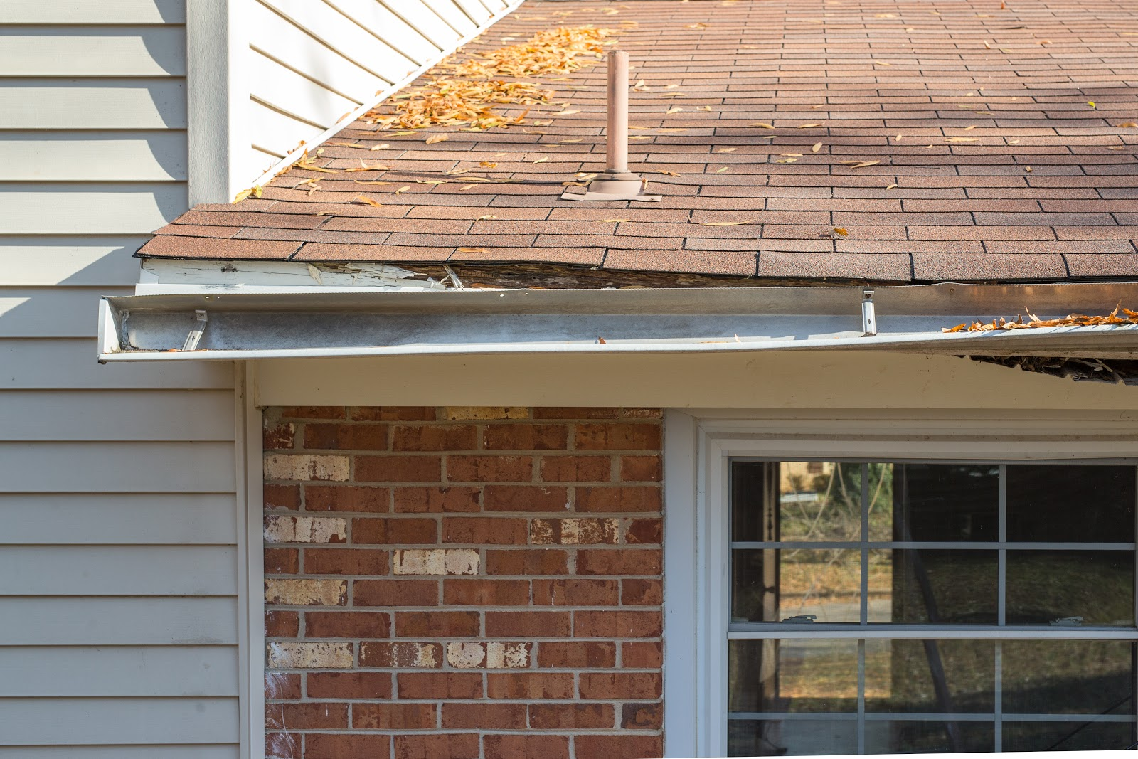 broken gutter- poor roof water drainage