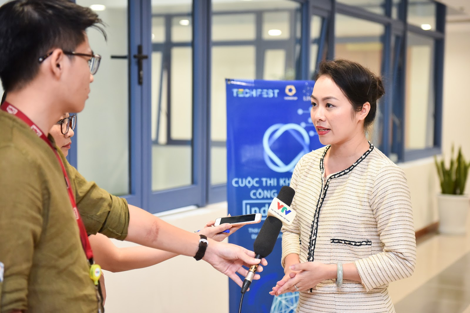 Bà Nguyễn Thy Nga- Giám đốc V-Startup, Trưởng làng công nghệ 4.0 chia sẻ về triển vọng đầu tư cho Startup phát triển