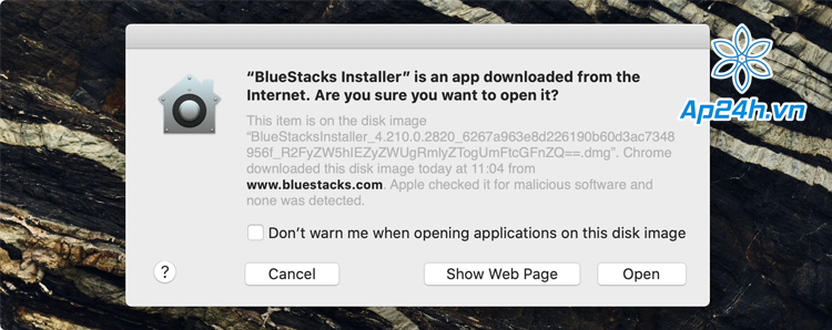 cài Bluestacks cho MacBook