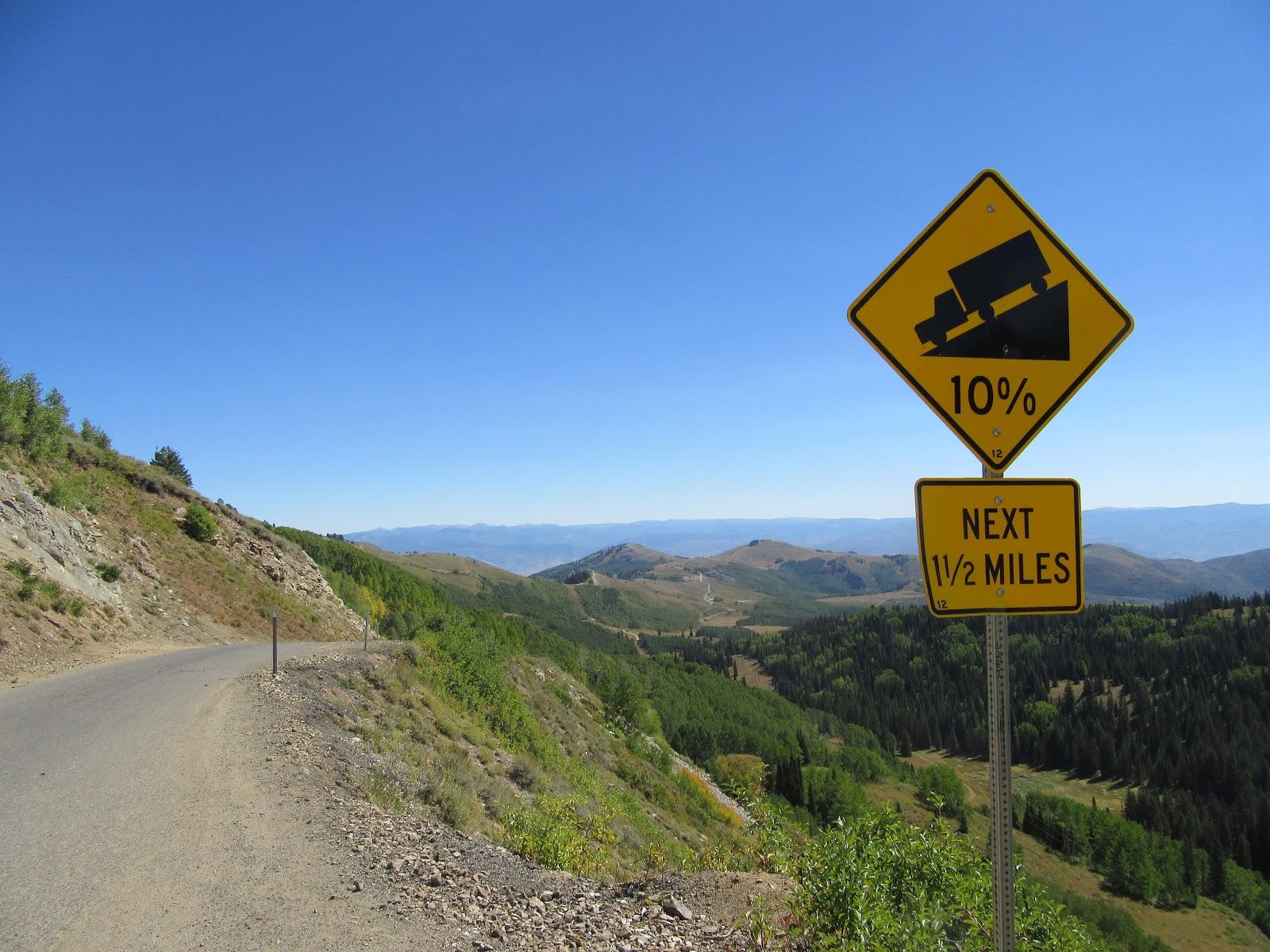 Steep grade sign at the top of Guardsman Pass