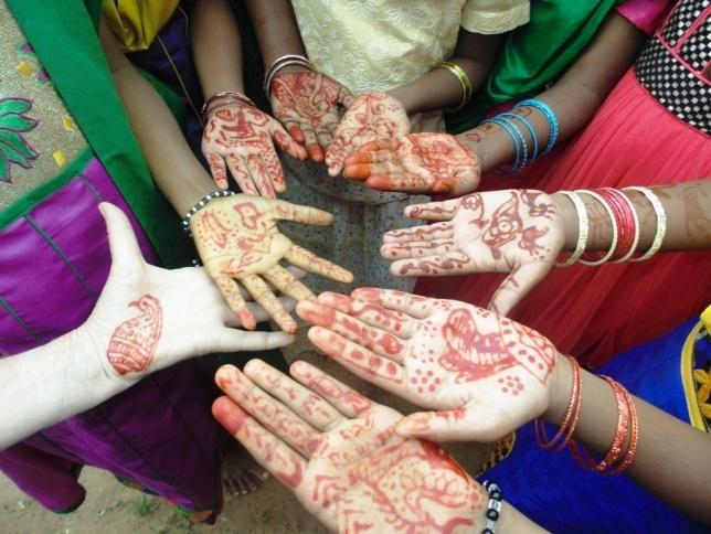 C:\Documents and Settings\User\Local Settings\Temporary Internet Files\Content.Word\Diwali girls 2.jpg