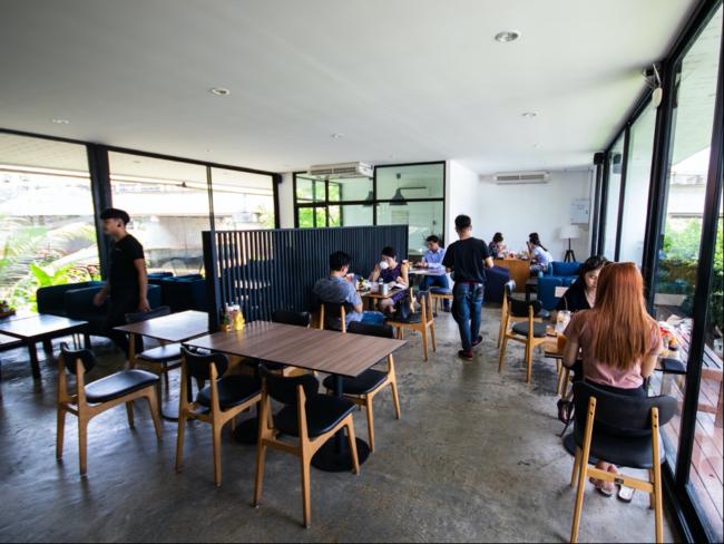 1. Alive Café