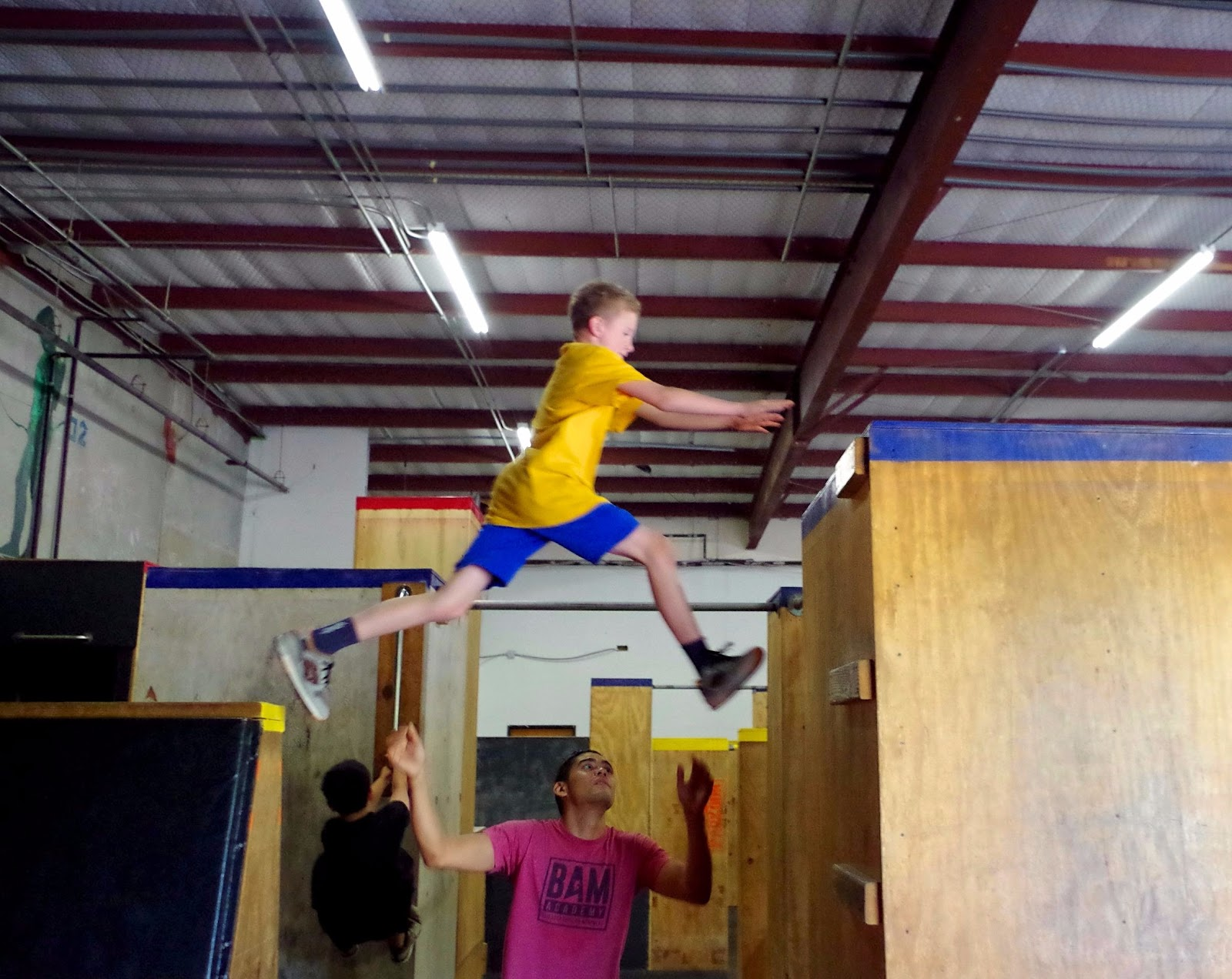 kid-parkour-leap