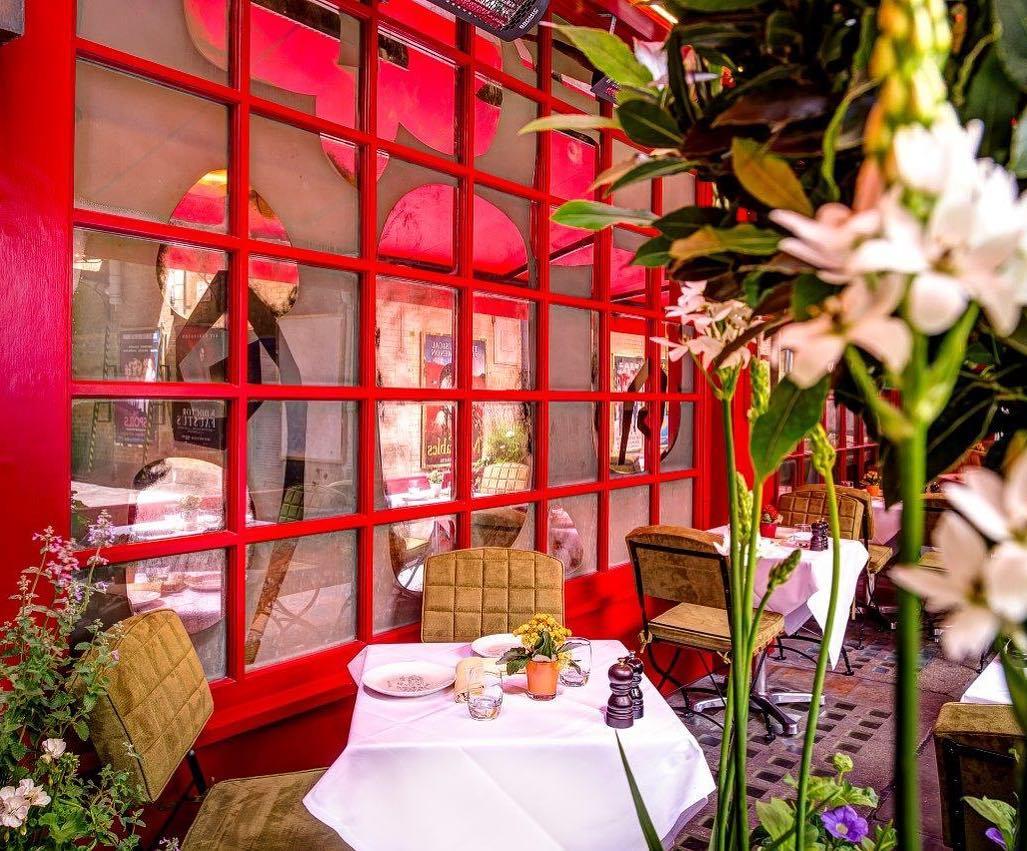 11 romantic restaurants for date night in london 11 Romantic Restaurants for Date Night in London AD8Fe07BOKPfO0bYsIzj77NzeY8CrFAE5OookzHJ1EQF8gHrS0gZzmrrlJHm876a8mXndgagoEypHgPvSCY4VBrudNPSgFLY3qvHktt5ARApR Gy5WUH9iKnxDfgCSek5A