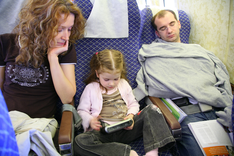 Family_Airport_Travel.jpg