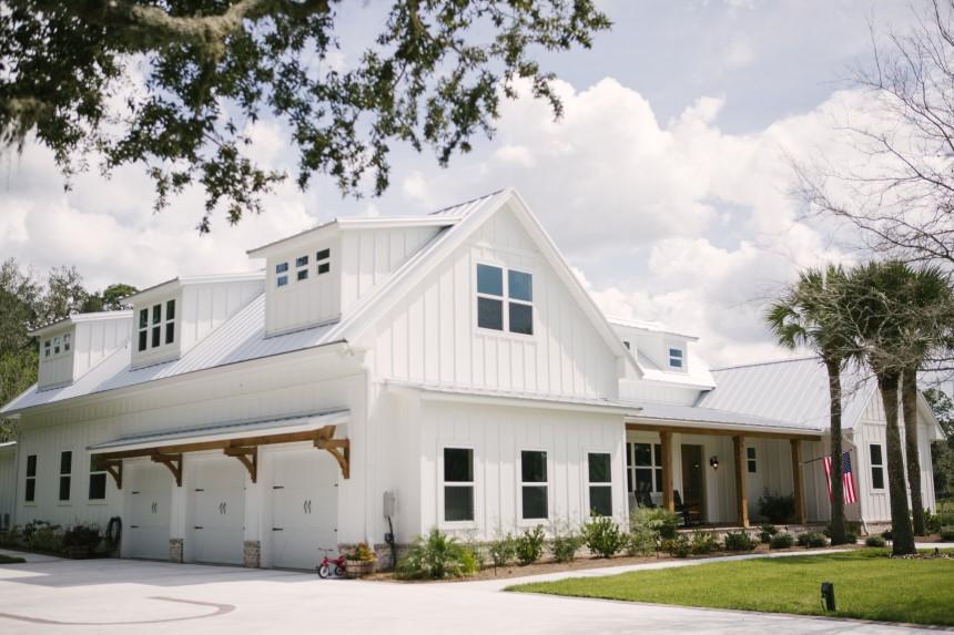Thiết kế nhà 2 tầng với mái tôn sở hữu nhiều ưu điểm vượt trội