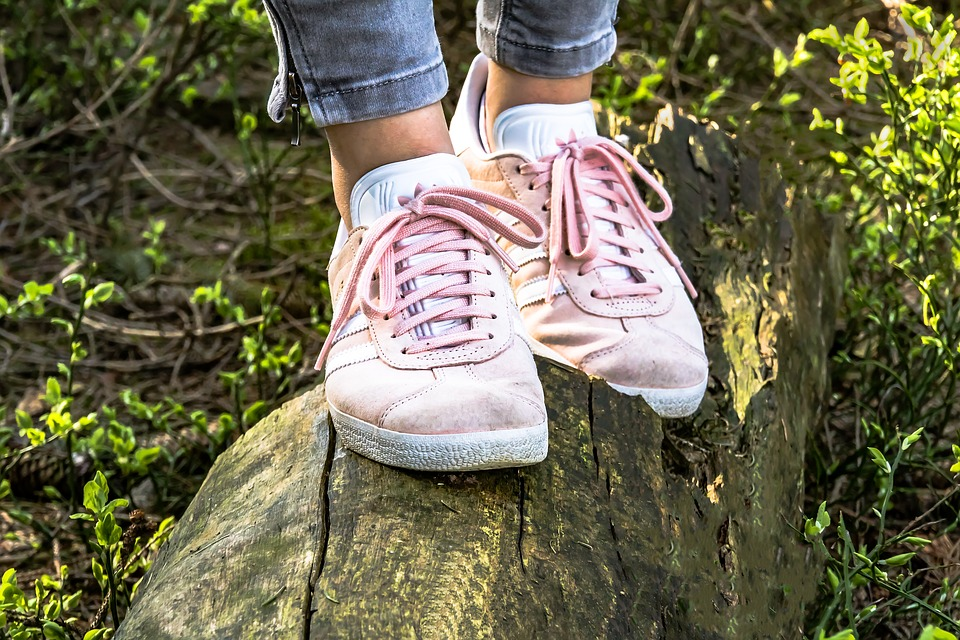 AJotfmJJiMM86lvBOR1qprmQuuYtQxVs6AehEfGamsVYWJta0bmyLq4hUNmTGVNVjoYfw8BQRDVdE5c5FbCtpifhyFhfpigHHZ5BIWR5bQuSG9BhlcnhxIC nfndzcEDcGnqvvog - 5 Amazing Ways To Style A Pair Of Sneakers