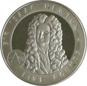 Moeda comemorativa de cinco libras com a gravura de Isaac Newton
