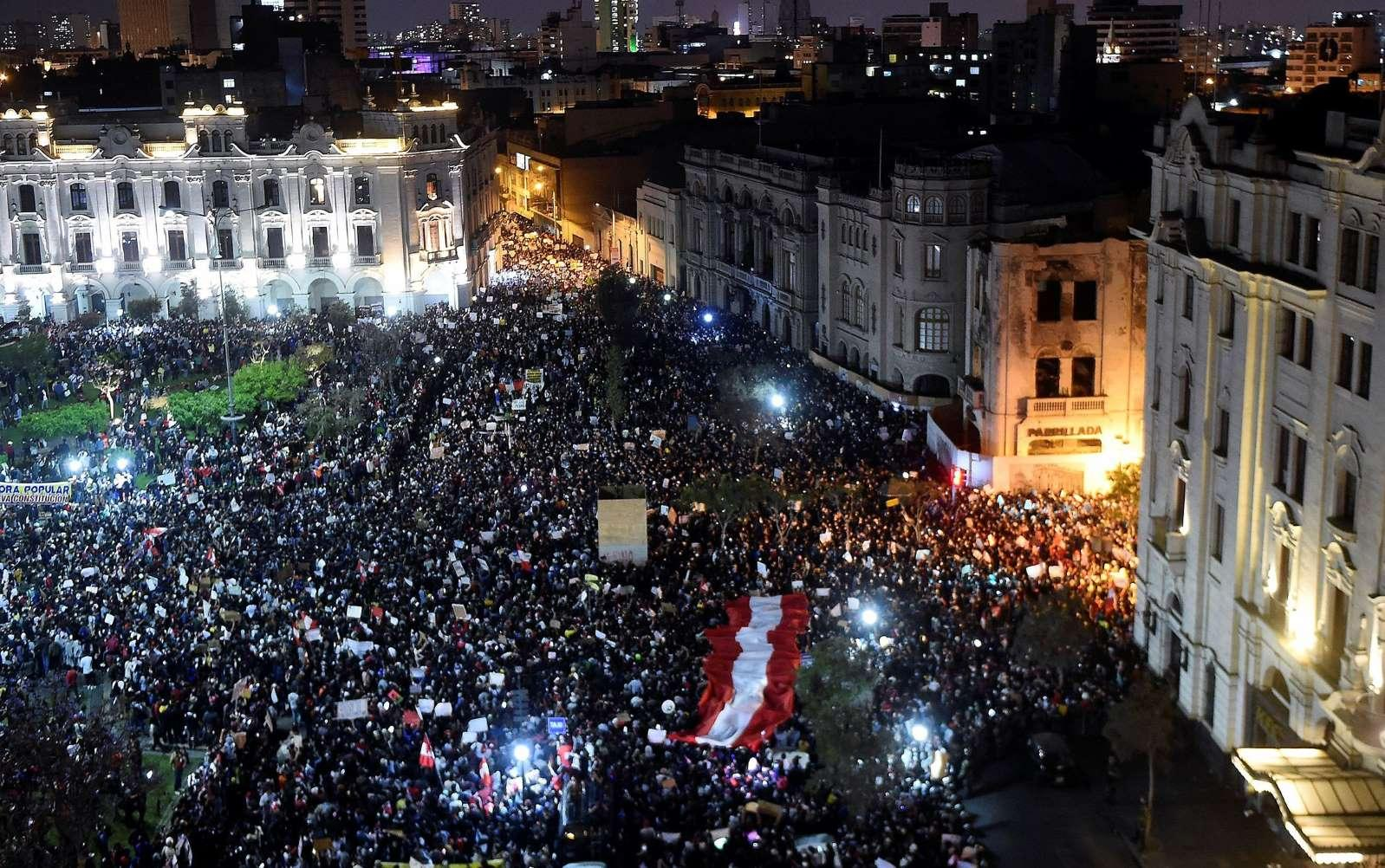 Photodollar • Peruvians Take to the Streets to Protest Ouster of President  | [Nov 14, 2020] - Thousands of Peruvians took part in nationwide marches  Thursday night ...