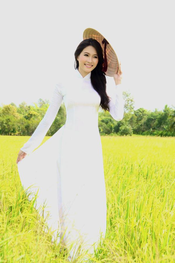 Hoa Hau VN 2012 - Dang Thu Thao.jpg