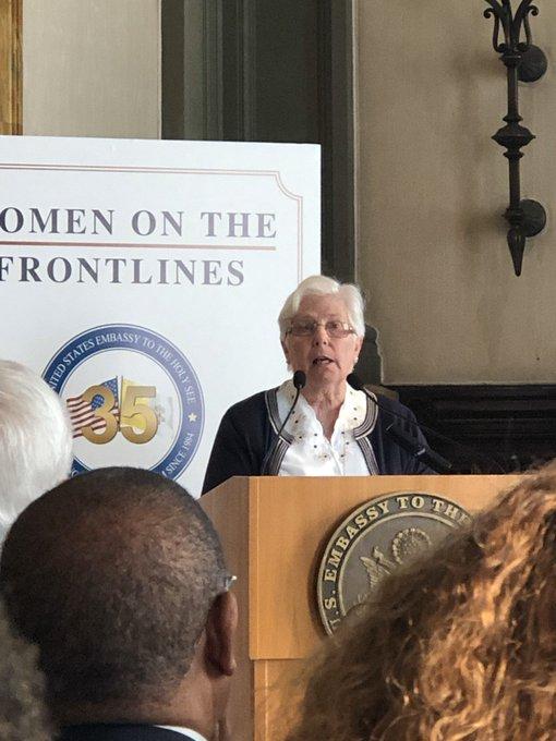 CHUYÊN MỤC: Phụ nữ, các nữ tu, liều mạng sống của họ trên các tiền tuyến … 'Hôm nay chúng ta ở đây để vinh danh họ'