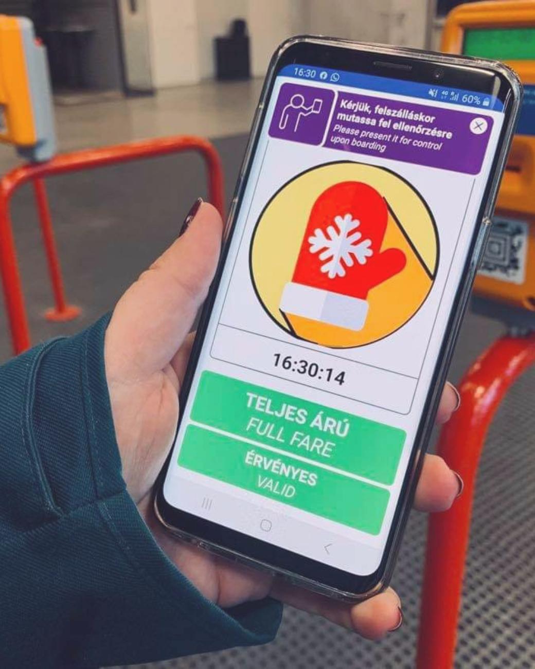Zo gebruik je Mobiljegy; mobiele OV-kaart in Boedapest, foto van de animatie op een telefoon
